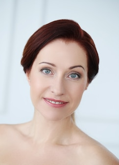 Portrait de belle femme, concept de soins de la peau