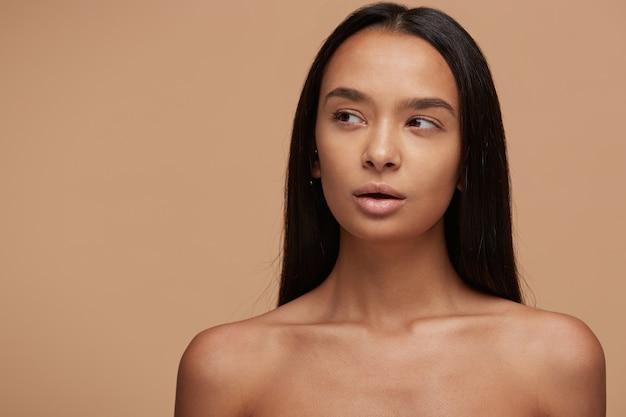 Portrait d'une belle fille caucasienne