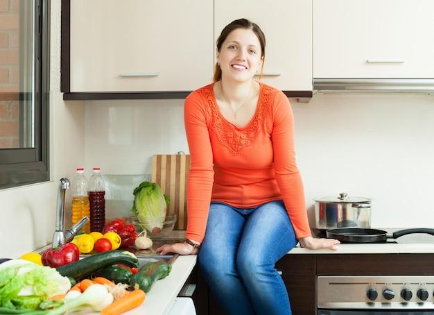 Portrait de bonne femme au foyer