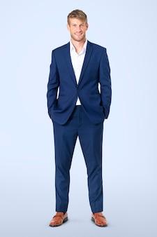 Portrait complet du corps d'un homme d'affaires européen confiant pour la campagne pour l'emploi et la carrière