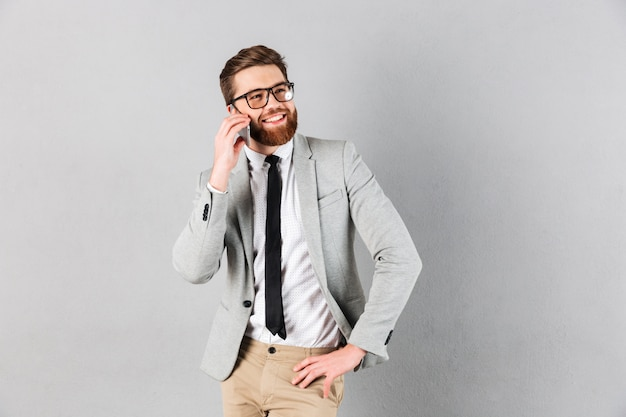Portrait, confiant, homme affaires, habillé, complet