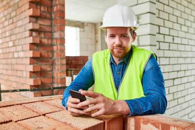 Portrait de constructeur moderne