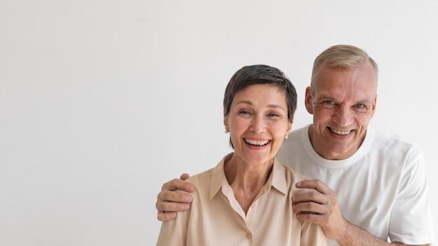 Portrait de couple d'âge moyen
