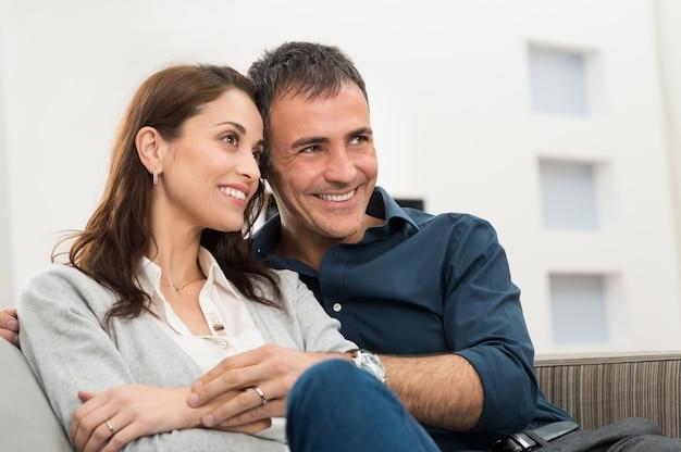 Portrait de couple heureux