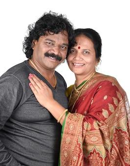 Portrait de couple indien sur l'espace
