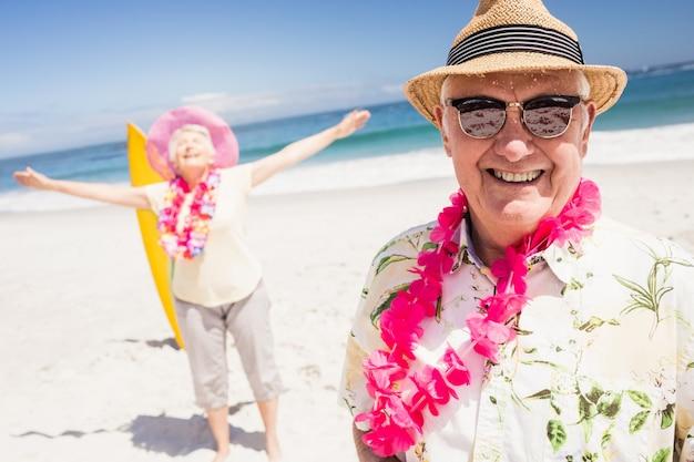 Portrait de couple de personnes âgées