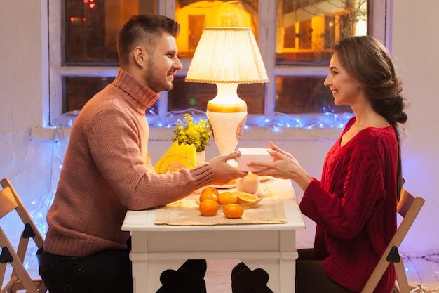 Portrait de couple romantique