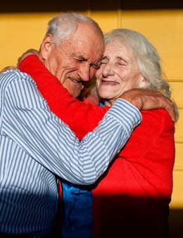 Portrait, de, couples aînés, amoureux