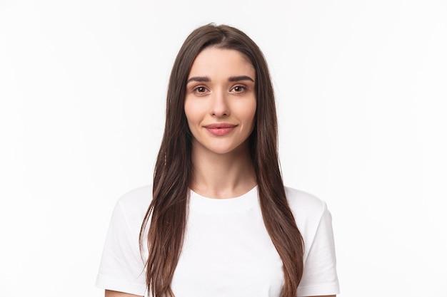 Portrait expressif jeune femme