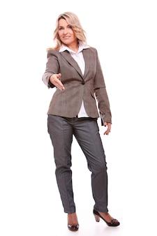 Portrait de femme d'affaires âgée heureuse
