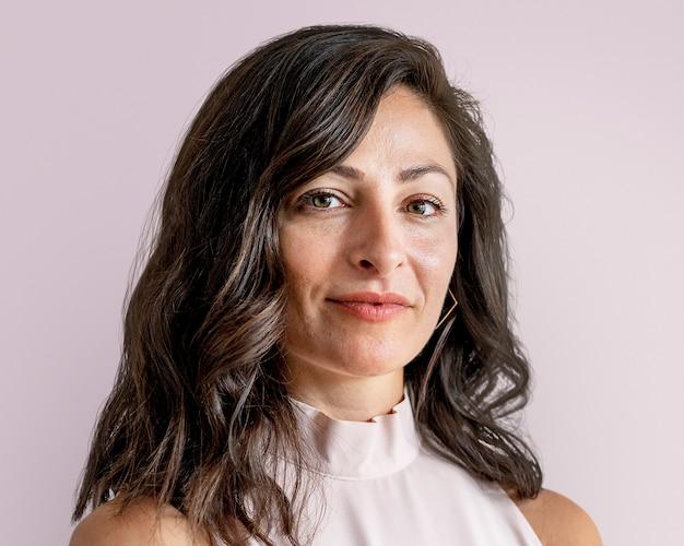 Portrait de femme d'affaires confiant, visage souriant