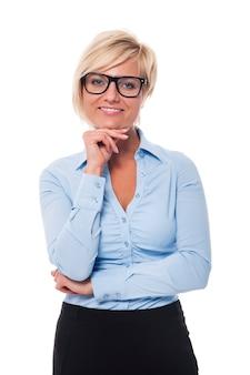 Portrait de femme d'affaires confiante