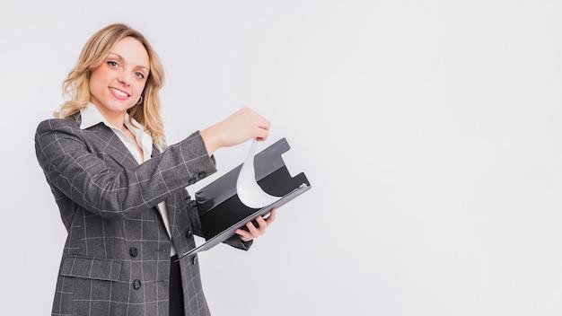 Portrait de femme d'affaires