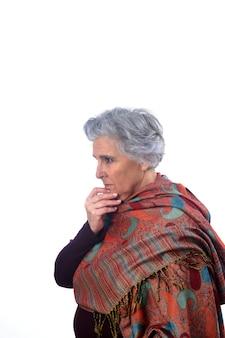 Portrait, femme aînée, penser