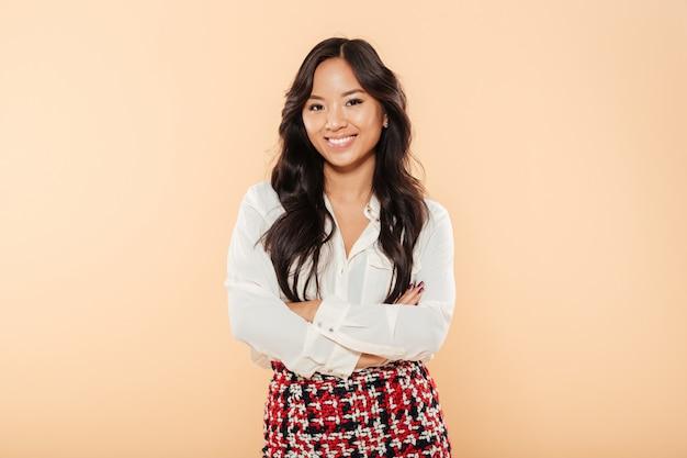 Portrait d'une femme asiatique souriante