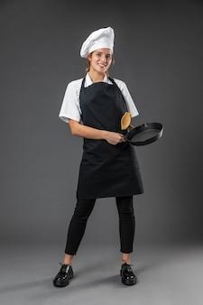 Portrait femme chef avec pan