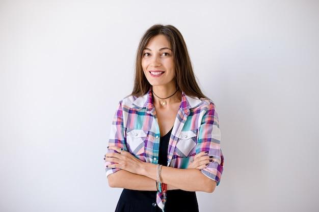 Portrait de femme large souriante