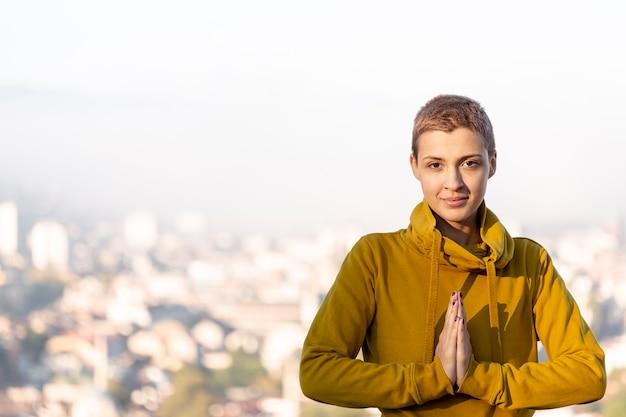 Portrait, femme, méditer