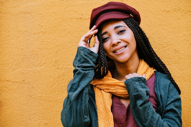 Portrait de femme noire avec des tresses