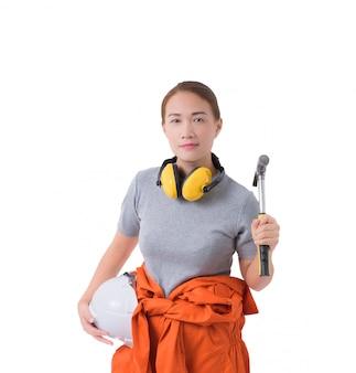 Portrait, femme, ouvrier, mécanicien, combinaison, main, marteau, isolé, blanc