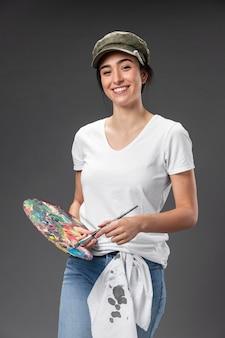 Portrait femme peintre artisti