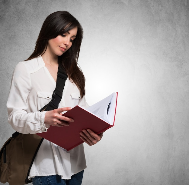 Portrait, femme, tenue, livre