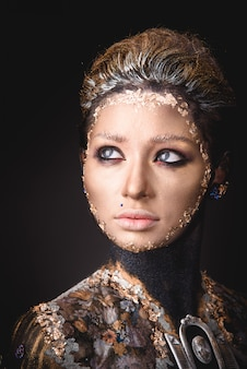 Portrait, fille, doré, peinture, maquillage