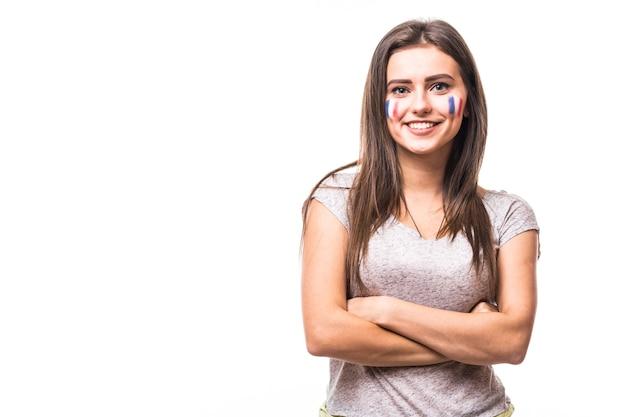 Portrait de france femme fan de football soutenir l'équipe nationale de france sur fond blanc. concept de fans de football.