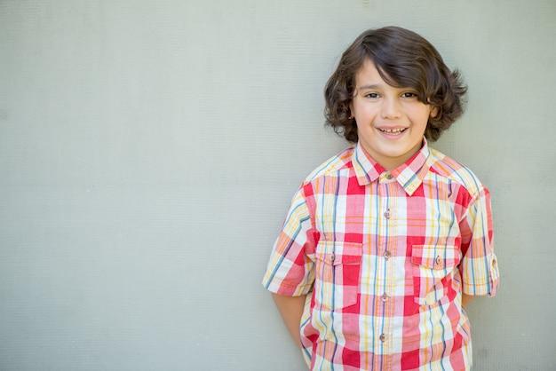 Portrait de garçon modèle