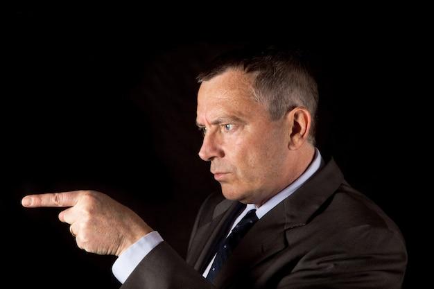 Portrait, homme affaires, pointage