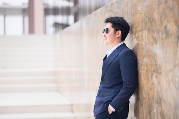 Portrait d'homme d'affaires, style d'affaires en asie