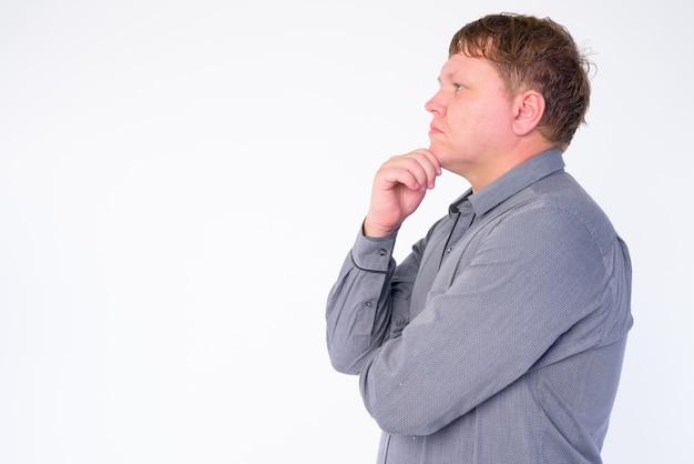 Portrait d'homme d'affaires en surpoids isolé sur blanc