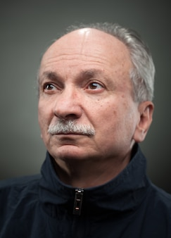 Portrait d'un homme senior.