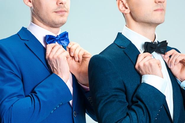 Portrait d'hommes d'affaires beaux et élégants