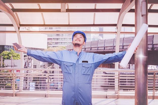 Portrait d'un ingénieur au travail