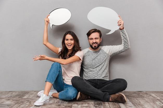 Portrait d'un jeune couple frustré