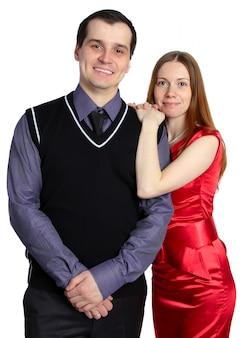 Portrait d'un jeune couple. jeune femme embrasse l'homme