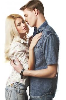 Portrait de jeune couple