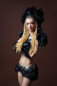 Portrait d'une jeune femme en costume de gardon indien