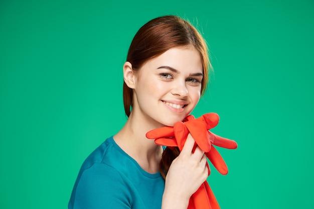 Portrait, jeune femme, à, gants caoutchouc