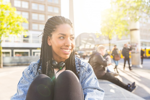 Portrait de jeune femme noire à berlin