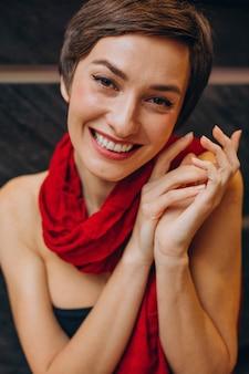 Portrait, de, jeune femme, sourire