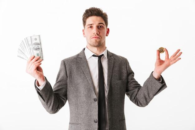 Portrait d'un jeune homme d'affaires confiant