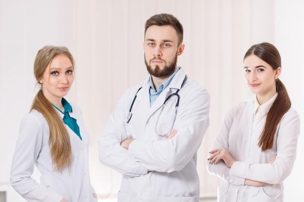 Portrait de médecins.