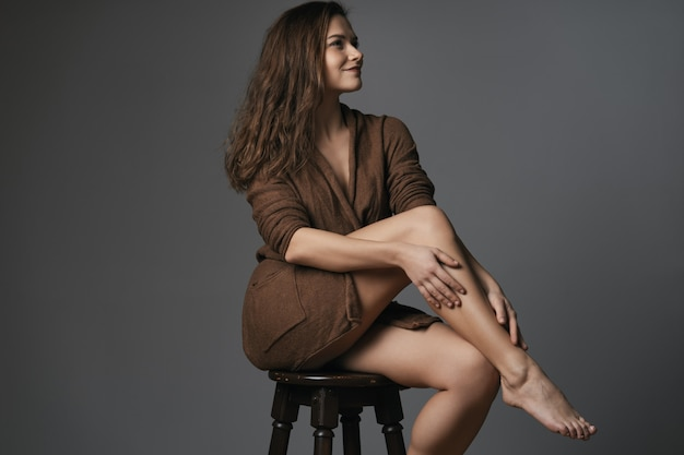 Portrait de merveilleuse jeune femme