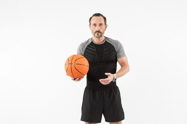 Portrait, mûrir, sportif, tenue, basket-ball