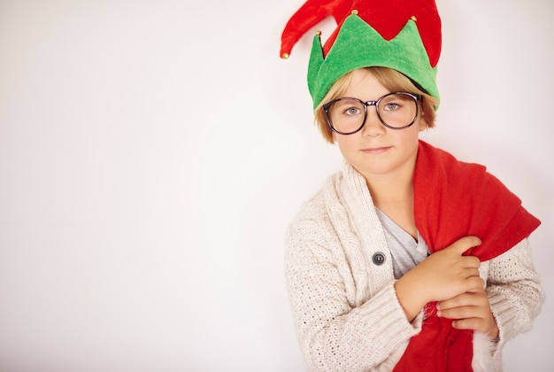 Portrait de petit garçon à noël