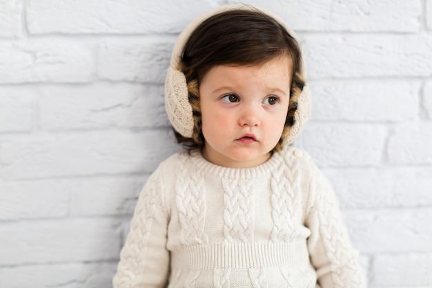 Portrait de petite fille adorable