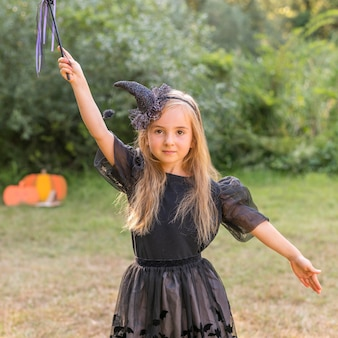 Portrait petite fille avec costume pour halloween