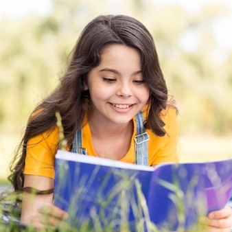 Portrait, smiley, girl, lecture